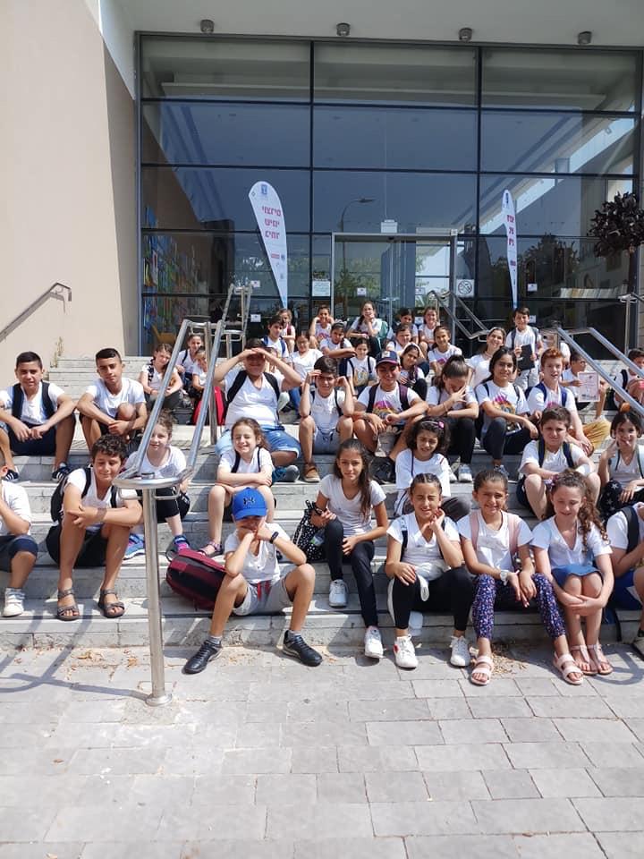 תלמידי בית הספר לאה גולדברג, דקות ספורות לפני התחרות