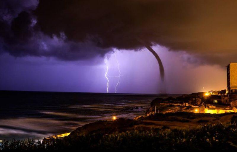 מהפנט! תמונות מליל סערה בנתניה